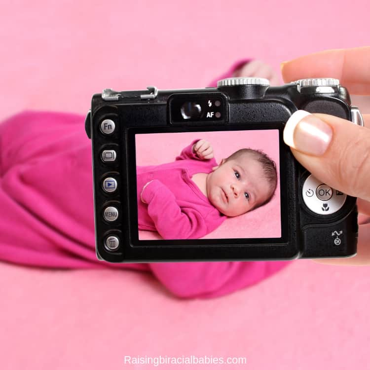 taking your own holiday photos can save you money and stress when you have a newborn during the christmas season.
