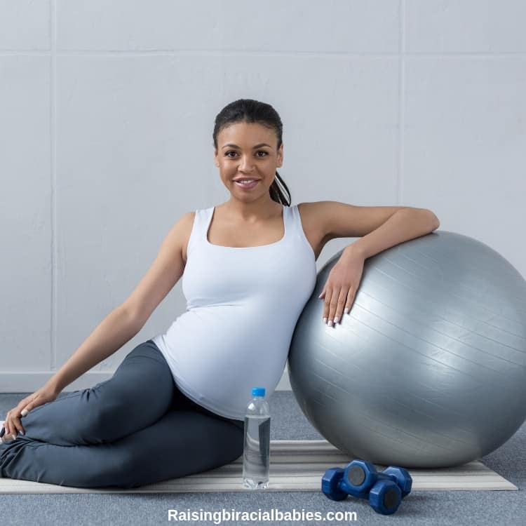 Staying fit during pregnancy helps alleviate the fear of childbirth